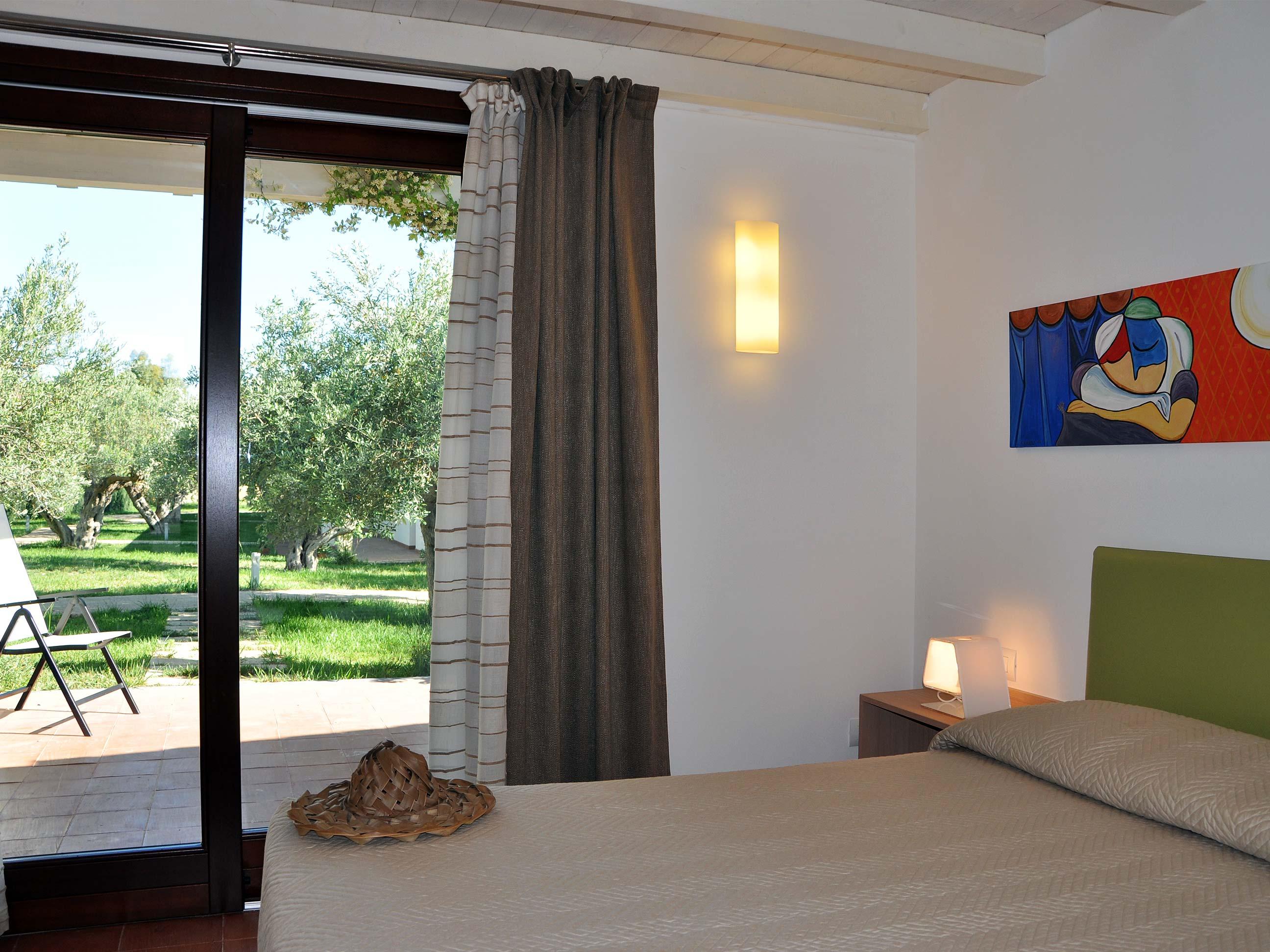 Khirat-Menfi-bedroom-13