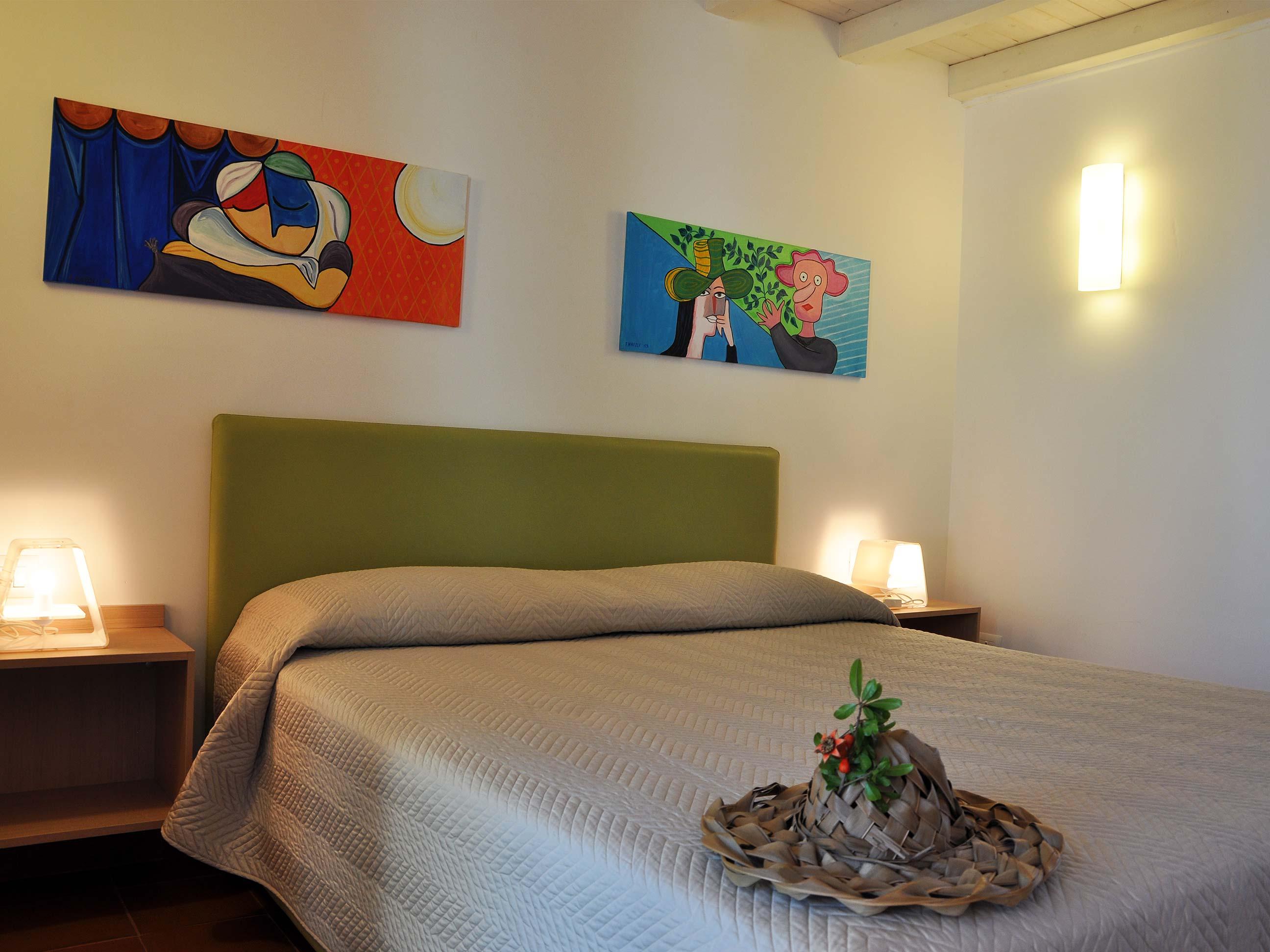 Khirat-Menfi-bedroom-14