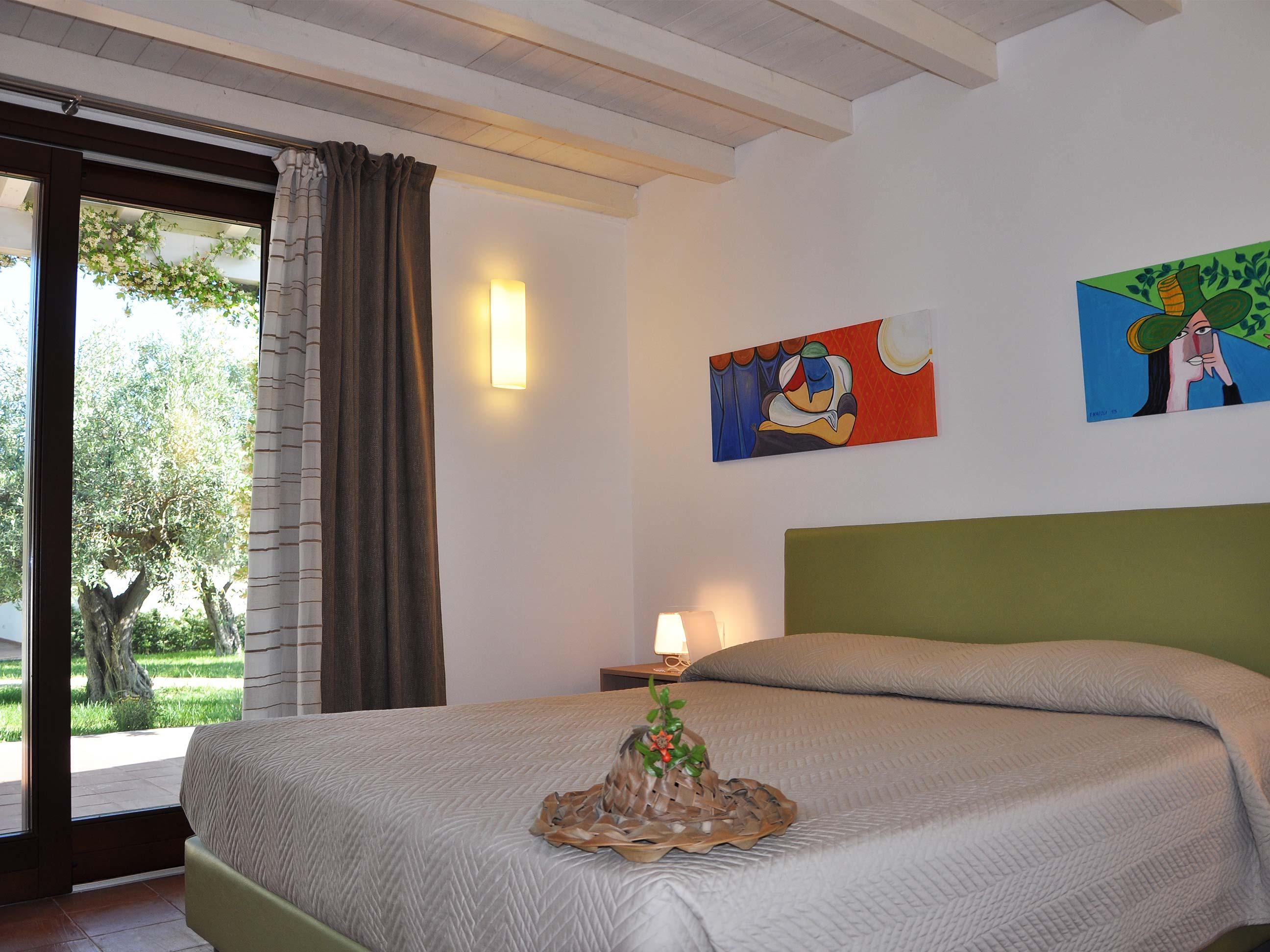 Khirat-Menfi-bedroom-15