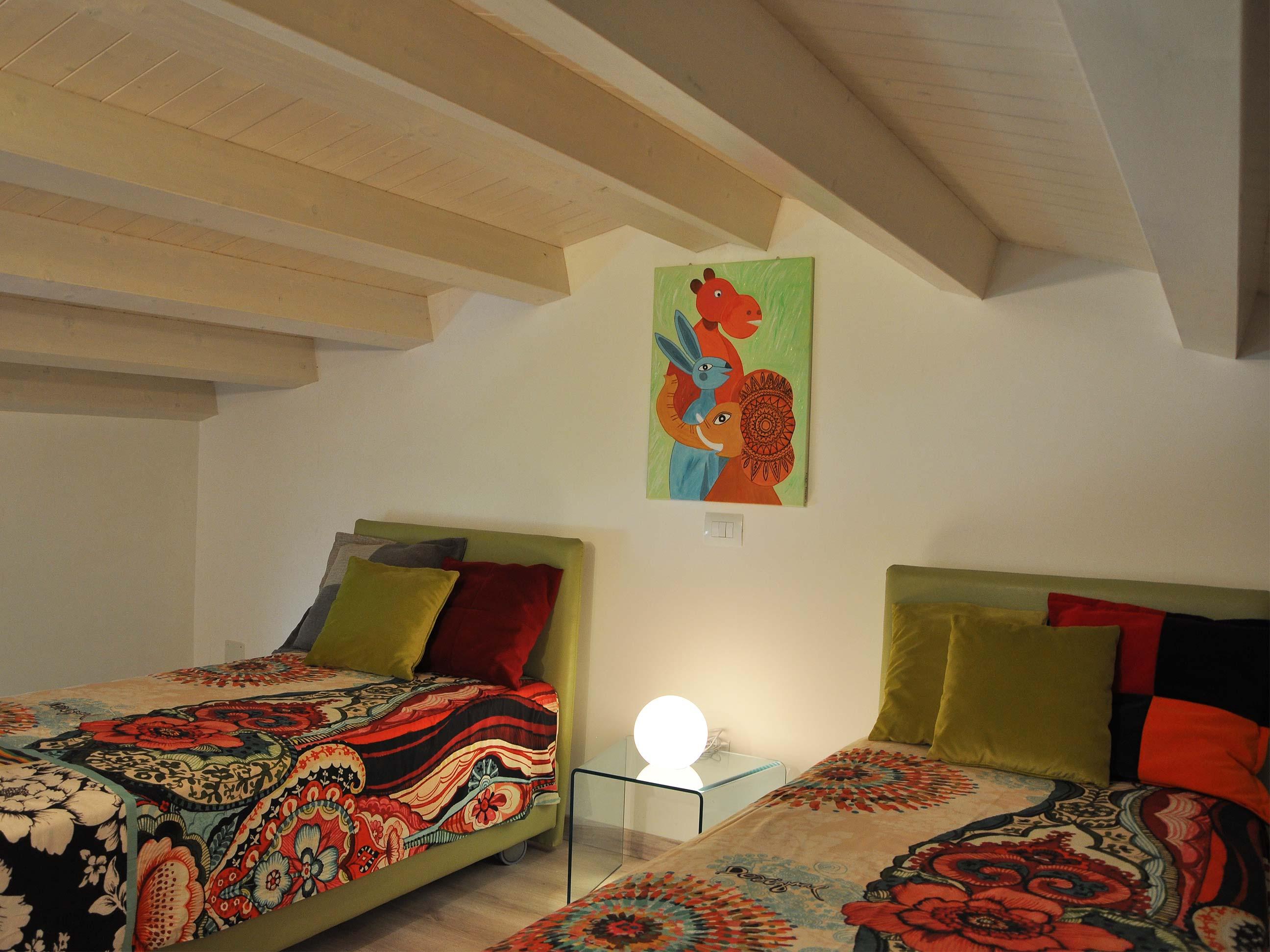 Khirat-Menfi-bedroom-16