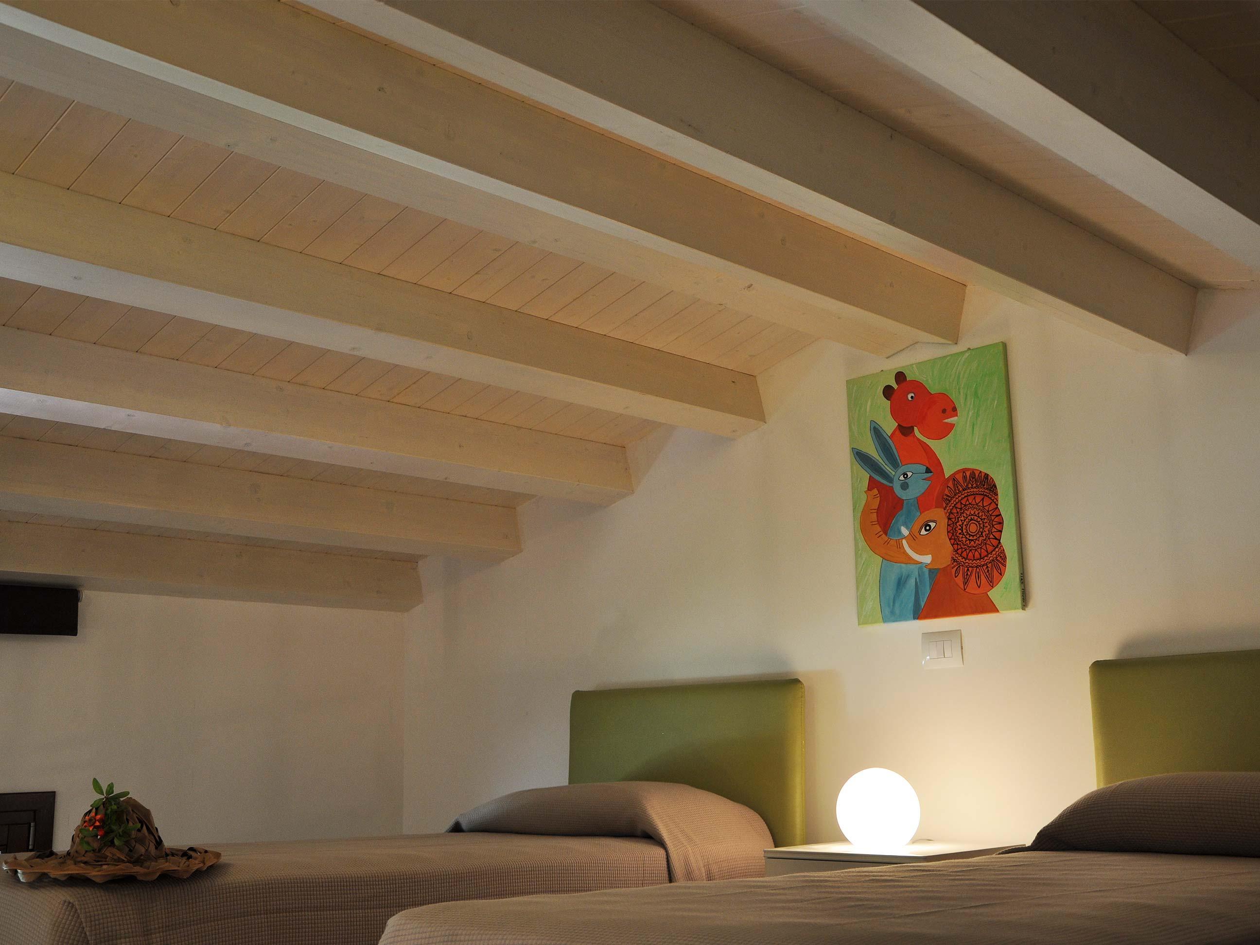 Khirat-Menfi-bedroom-18