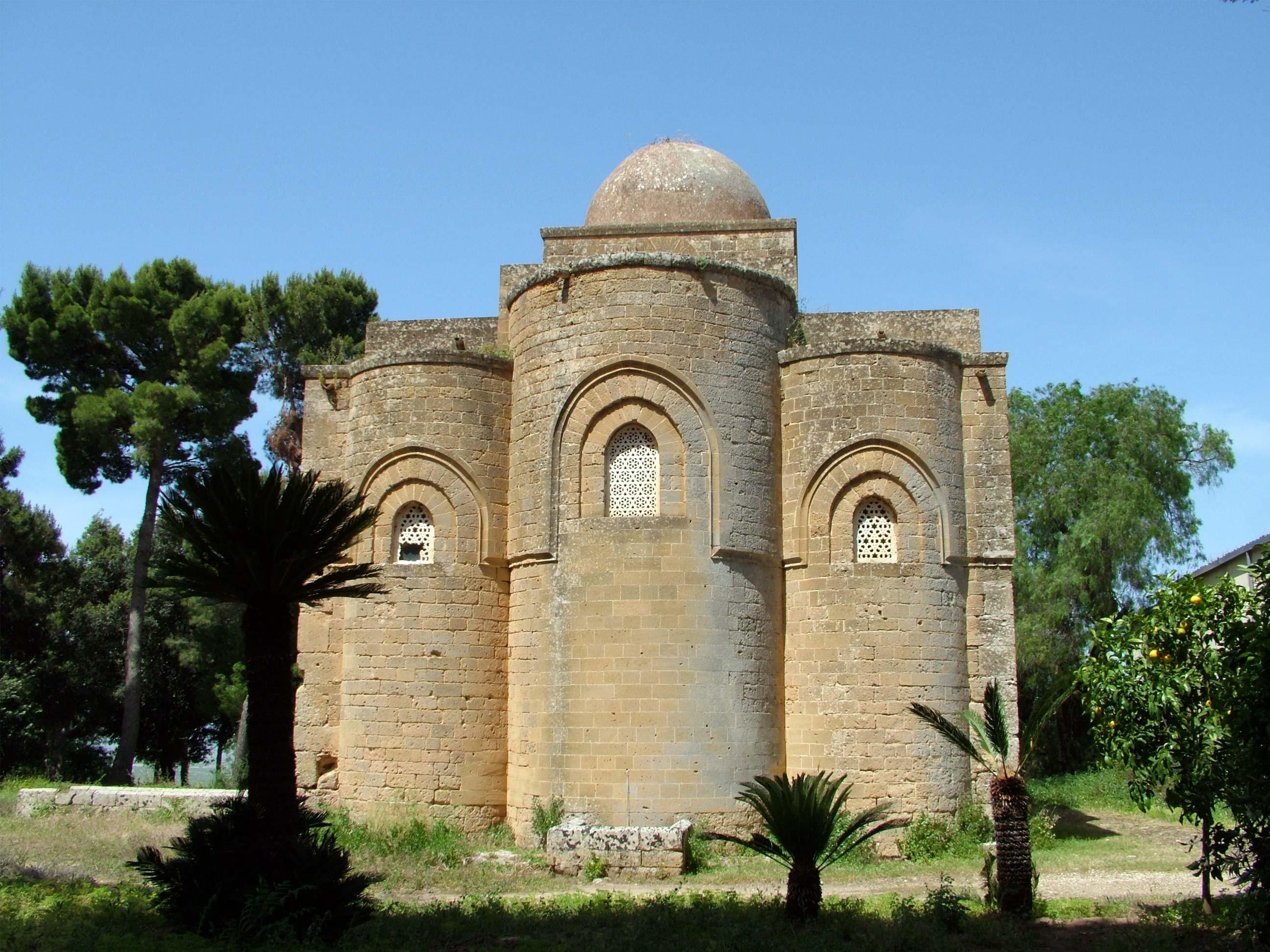 Che Idea Mobili Castelvetrano.Castelvetrano In Sicilia Storia Chiese Cultura Monumenti