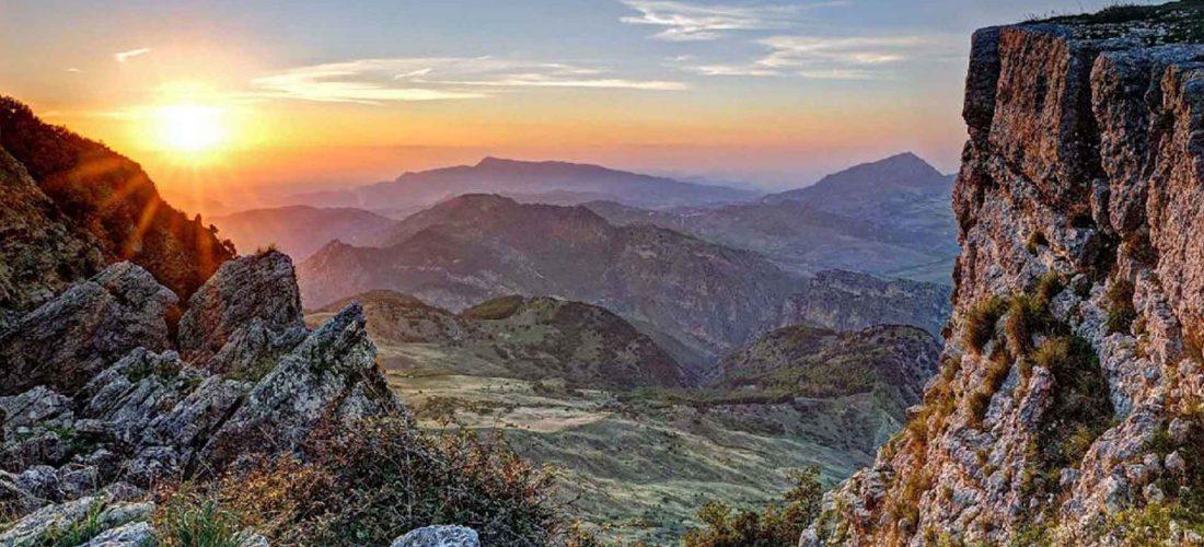 MONTI di PALAZZO ADRIANO e VALLE del SOSIO<br></noscript> La Riserva Naturale Orientata